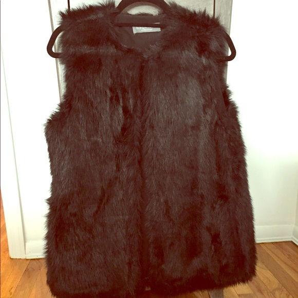 bagatelle collection Tops - Bagatelle Collection Black Fur Vest